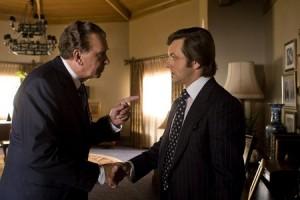 """Frank Langella y Michael Sheen en una escena de la película """"Frost/Nixon"""" de Ron Howard."""