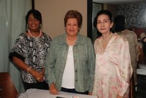 Amarilys Duran, Martha de Alburquerque y Aura Marina del Rosario, de izquierda a derecha.