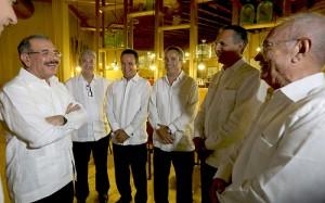El presidente Medina, junto a a los ministros Administrativo de la Presidencia, José Ramón Peralta y de Obras Públicas, Gonzalo Castillo, entre otros invitados especiales.