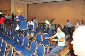 Momento en que se producían disturbios en el salón del Hotel Jaragua donde se celebró la convención,