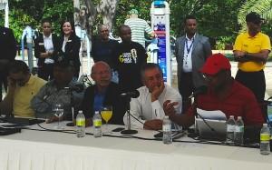 """El staff del programa de radio """"Zol de la Mañana"""" hizo este lunes una transmisión especial desde el Mirador Sur."""
