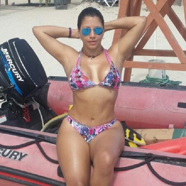 Mujeres La En SusbuenosCuerpos De Tv Playa Lucen rdxhQstC
