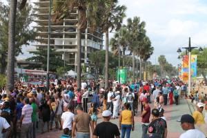 El flujo de los visitantes a la piscina de Güibia estuvo bien intenso durante toda la jornada de este Viernes Santo. [Foto: ADN]
