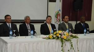 Al centro, mayor general Julio César Souffront Velázquez, presidente de la DNCD, encabezó el acto de graduación.