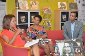 Junto a Marivell Contreras, Aida Montero, directora de la Biblioteca Juan Bosch y Kelvin Mejía, director de Radio Funglode.