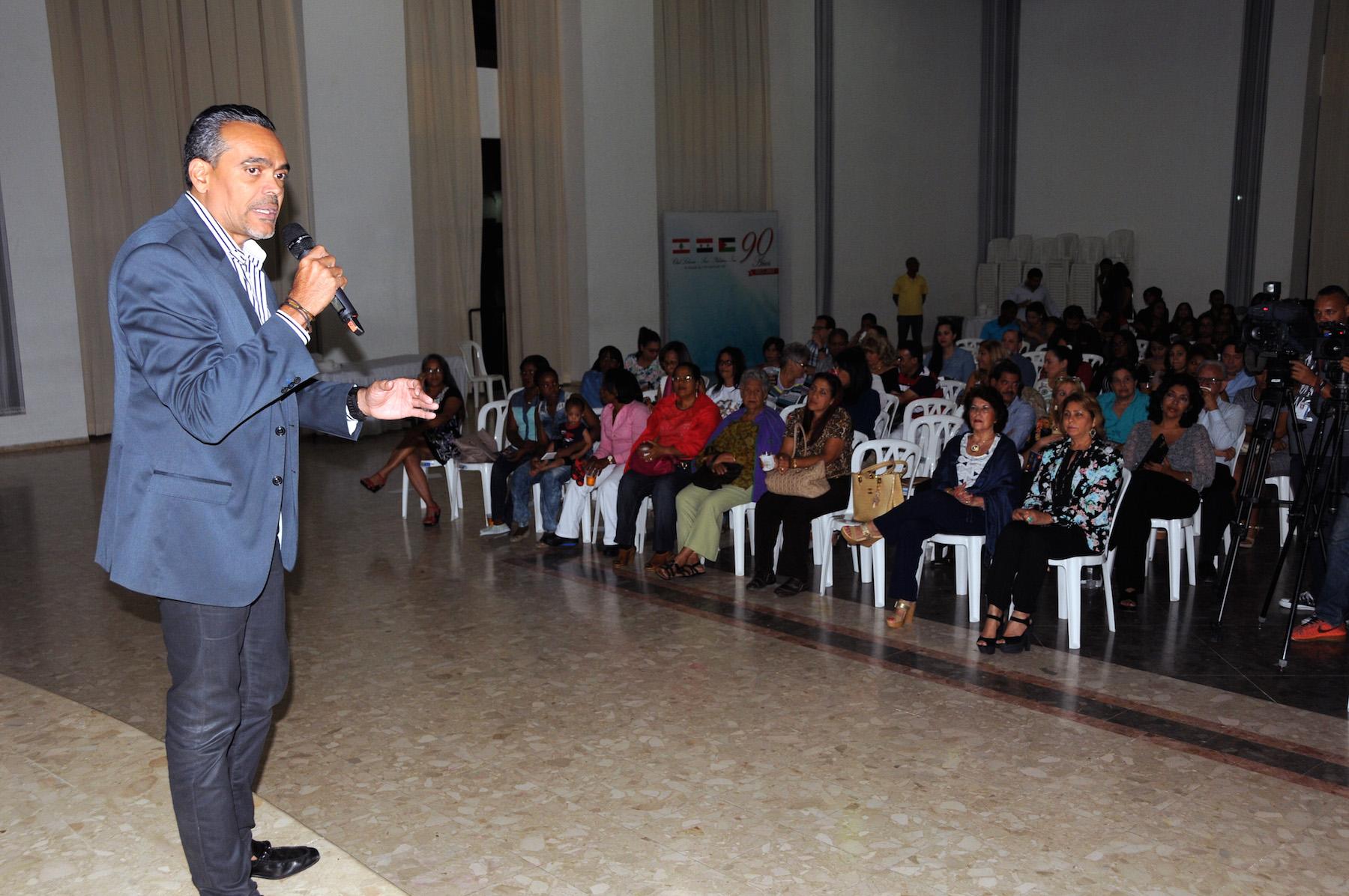 El empresario Fernando Quezada en la rueda de prensa cuando se dieron a conocer detalles de la edición 2016 del evento.