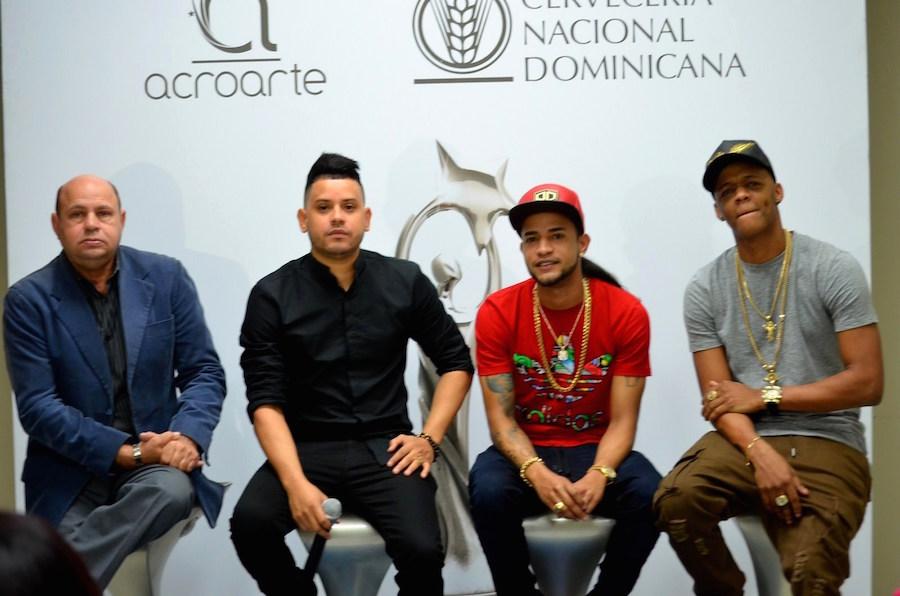 Desde la izquierda, Jorge Ramos, presidente de Acroarte, Shadow Blow, Mozart La Para y Secreto.